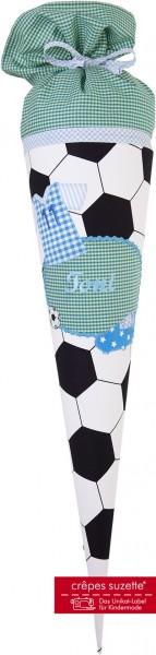 Schultüte mit Namen für kleine Fussballer